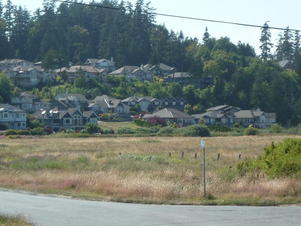 Häuser in der Nähe der Schule